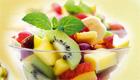 Prépare une salade de fruits